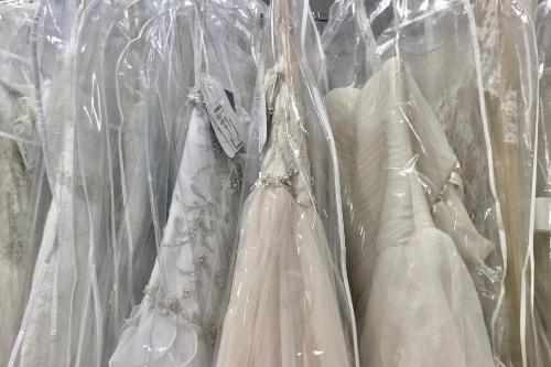 Budget Bridal Outlet   $500 Wedding Gown